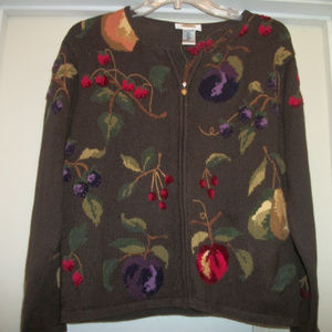 SWEET FRUITY FLORALS EMBROIDERED SWEATER M